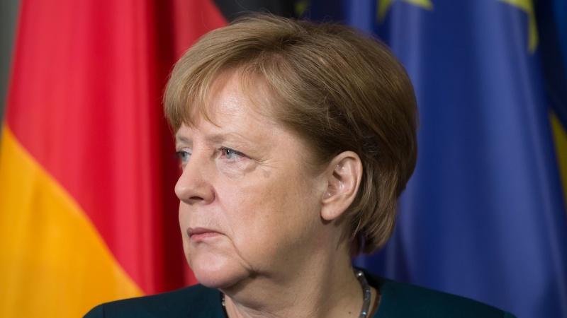 ES kolegos apie kadenciją baigiančią A. Merkel: Europai jos trūks