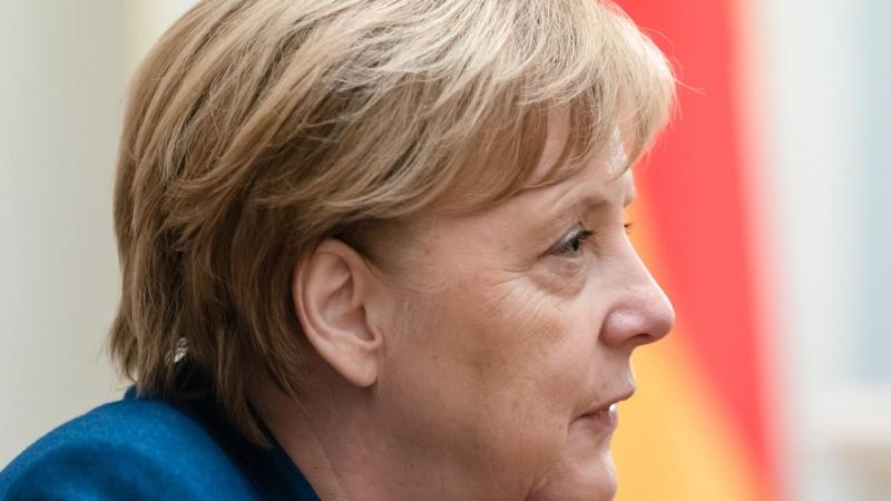 A. Merkel yra už trumpą, visuotinį karantiną